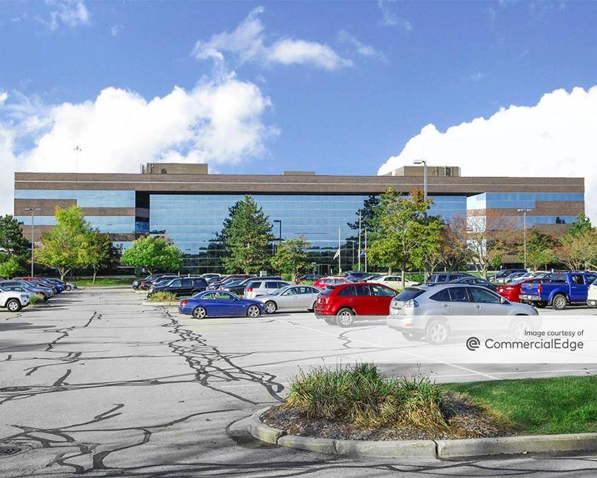 Crossroads Corporate Center - 20800 Swenson Drive