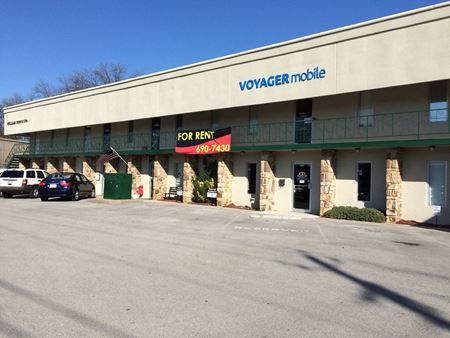 9723  KINGSTON PIKE, Suite B - Knoxville