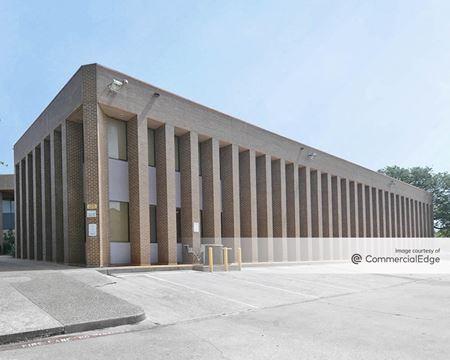 110 West Randol Mill Road - Arlington