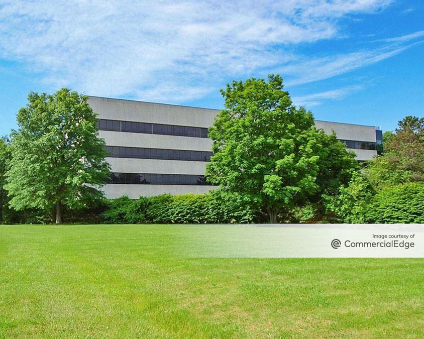 TechCity Commerce Park - 101-899 Enterprise Drive