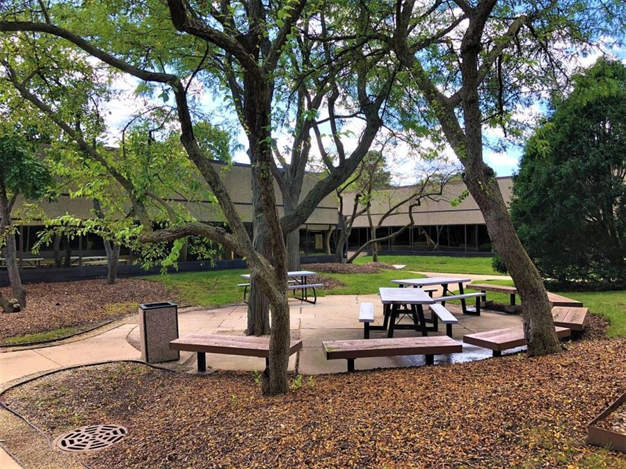 Deerfield Business Center - Office Suites for Lease