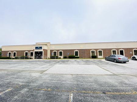 17,500' Office near Kansas & Battlefield - Springfield