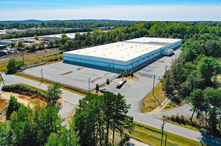 Warehouse Building Available - Greenville