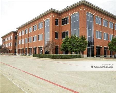Mercantile Plaza - Fort Worth