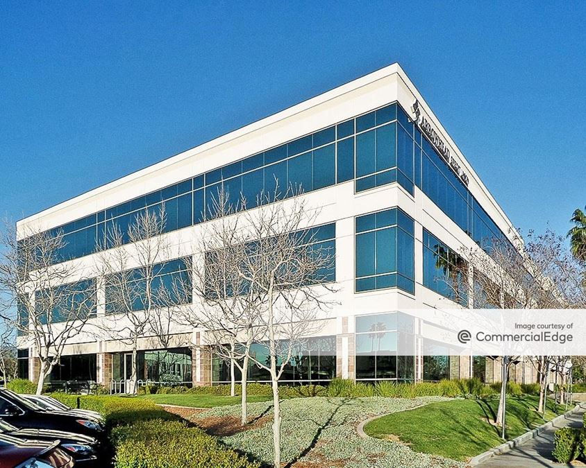 Tri-City Corporate Centre - Two Parkside