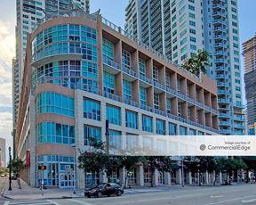 Vizcayne Retail - Miami