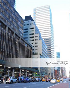 880 Third Avenue