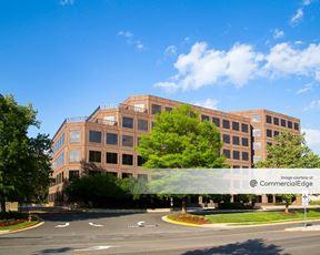 Fair Oaks Commerce Center