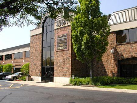 Kingswood Office Building - Bloomfield Hills