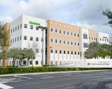 Emerald View at Vista Center - Royal Palm Beach