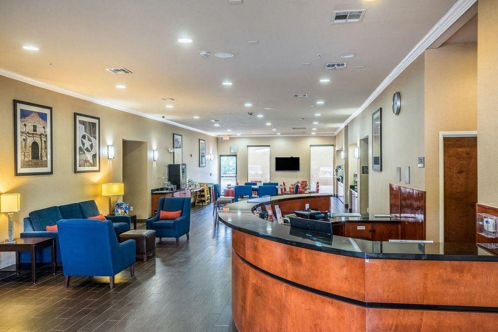 Comfort Suites San Marcos near Texas State University