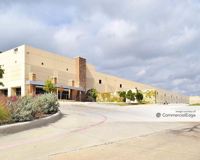 Lakeside Commerce Center - 1650 Lakeside Pkwy