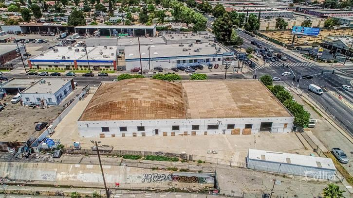 13704 Saticoy St, Van Nuys, CA:  20,400 SF Industrial Building for Sale