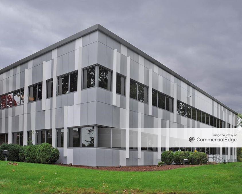Hobbs Brook Office Park - 101 Edgewater Drive