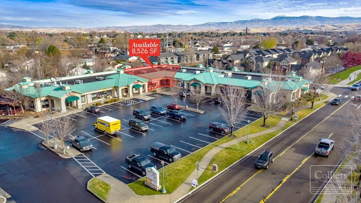 Retail Space for Lease in Vibrant Shopping Center in Downtown Eagle
