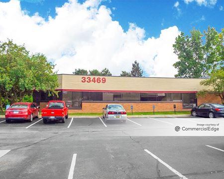 Pineview Office Park - Farmington Hills