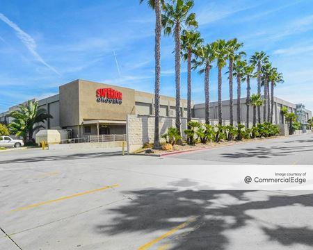 Centerpoint Mall - Oxnard