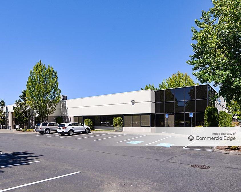 Tanasbourne Commerce Center - 3175 NW Aloclek Drive