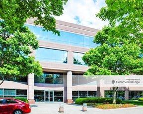One Barrett Lakes Center - Kennesaw