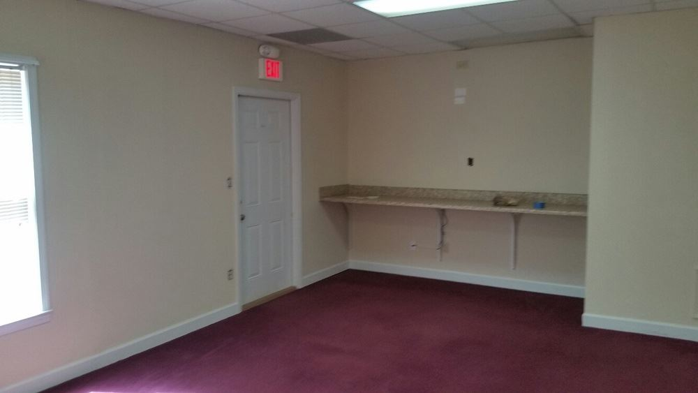 Sandy Plains Multi-tenant Office Condo Building