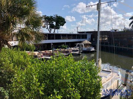 Small Retail at Southpoine Marina Mall - Sarasota