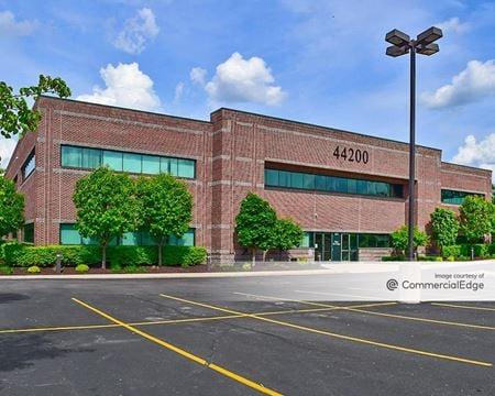 Lexus Professional Building - Pontiac