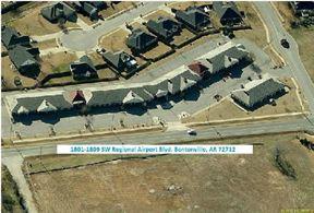 1807 SW Regional Airport Blvd - Bentonville