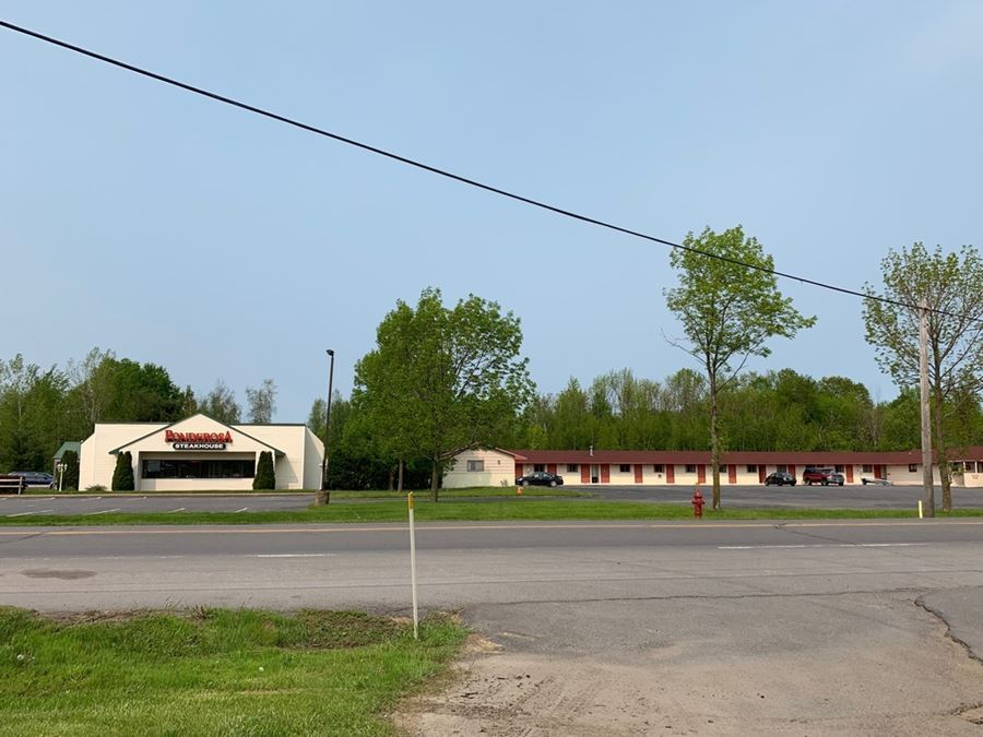 5,372+/- SF Building For Sale in Retail Location