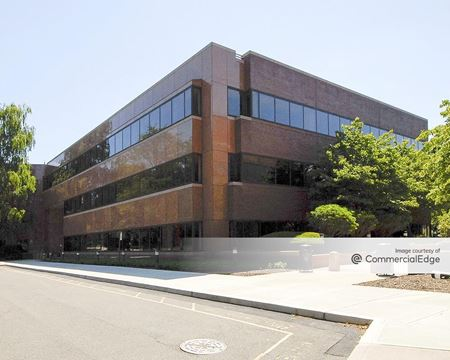 Crown Corporate Campus - 470 Wheelers Farms Road - Milford