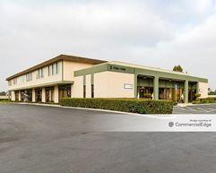 Los Alamitos Business Park - Los Alamitos