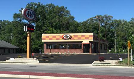 A&W Restaurant - Hales Corners