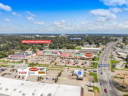 Boulevard Shopping Mall - Lafayette