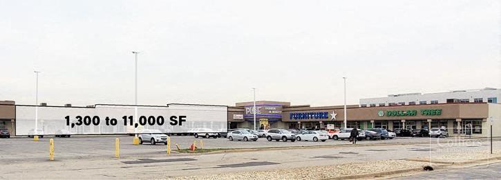 Retail on Cicero Avenue