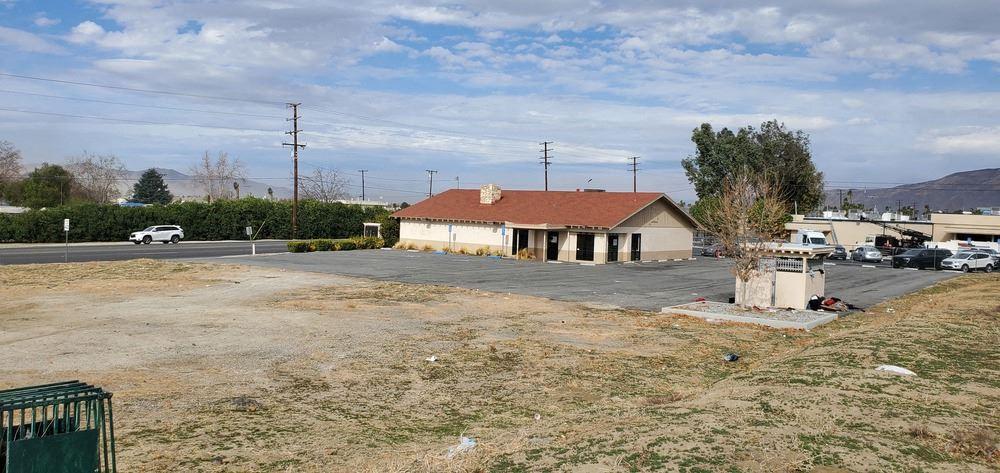2177 S. San Jacinto Ave.