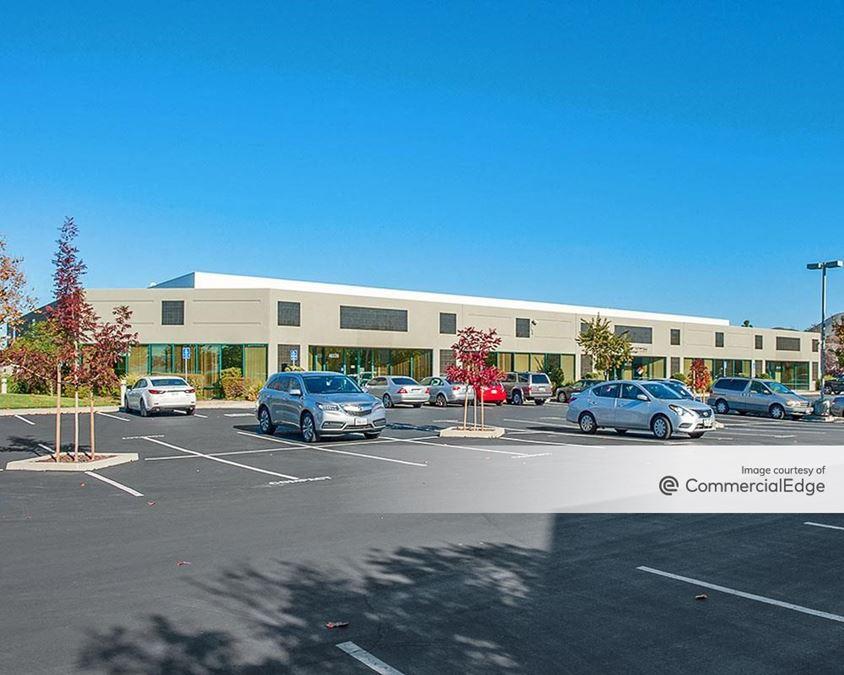 Bayside Technology Center - 46527-46669 Fremont Blvd
