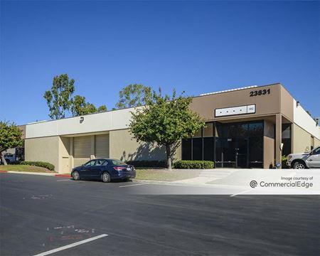 Mission Viejo Business Center - 23811, 23831, 23851, 23871, 23881 & 23891 Via Fabricante - Mission Viejo