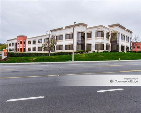 Westlake North Business Park - Building III - Westlake Village