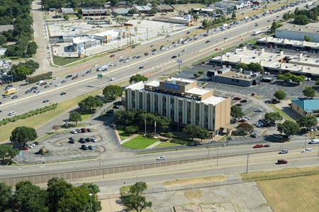 Comerica Bank Building / Serene Plaza - Richardson