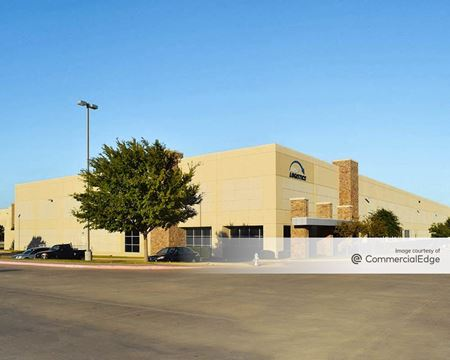 Lakeside Commerce Center - 1600 Lakeside Pkwy - Flower Mound