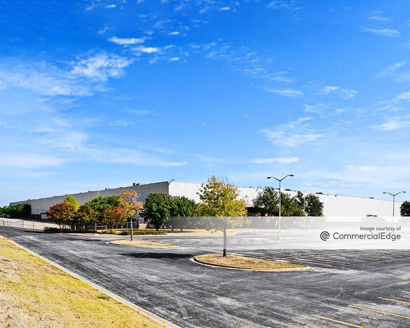 Carter Industrial Park - 1101 Everman Pkwy