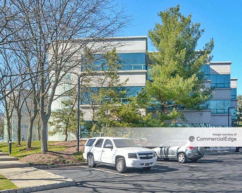 Short Hills Office Plaza