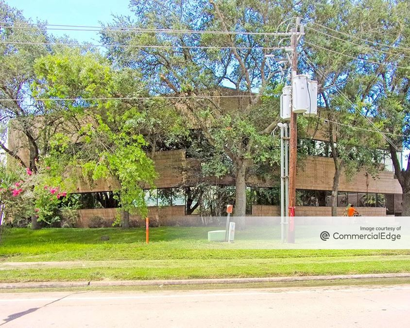 The Glenn Lakes Professional Building
