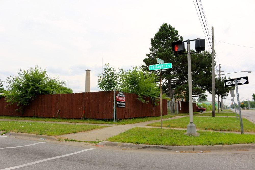 2714 Sheridan Road