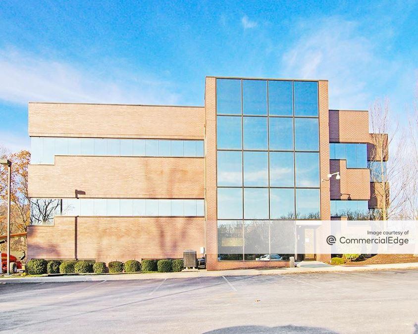 Northwoods Crossing Office Park - 4400 Deer Path Road