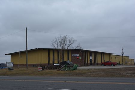 23,250 SF Commercial Building Available - Waterloo