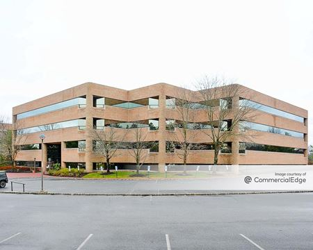 Somerset Hills Corporate Center - 10 Independence Blvd - Warren