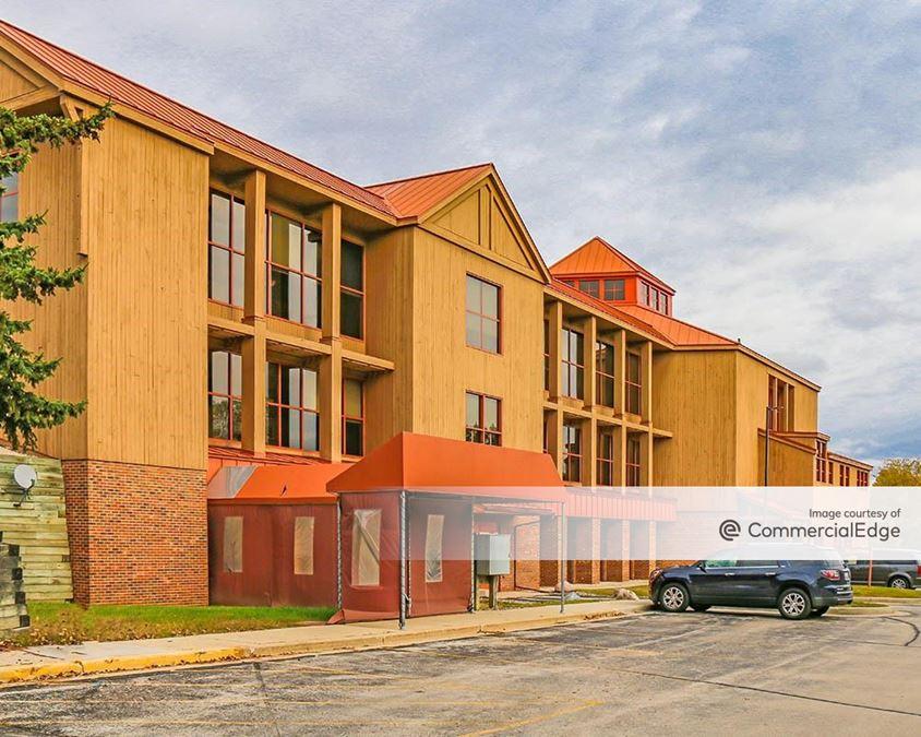 Aurora Health Center - West Bend