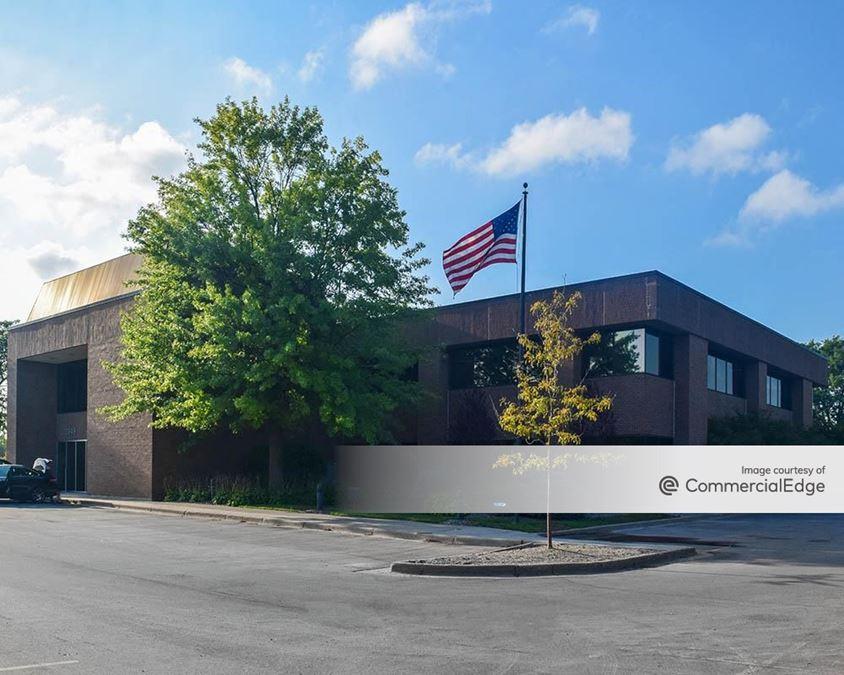 Bridge Pointe Office Park - 3949 Sparks Drive SE