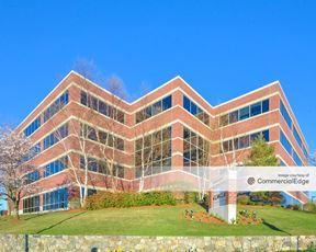 Oracle Campus - 4 Van de Graaff Drive