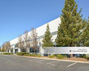 Airport Corporate Center - 3950 Brickway Blvd